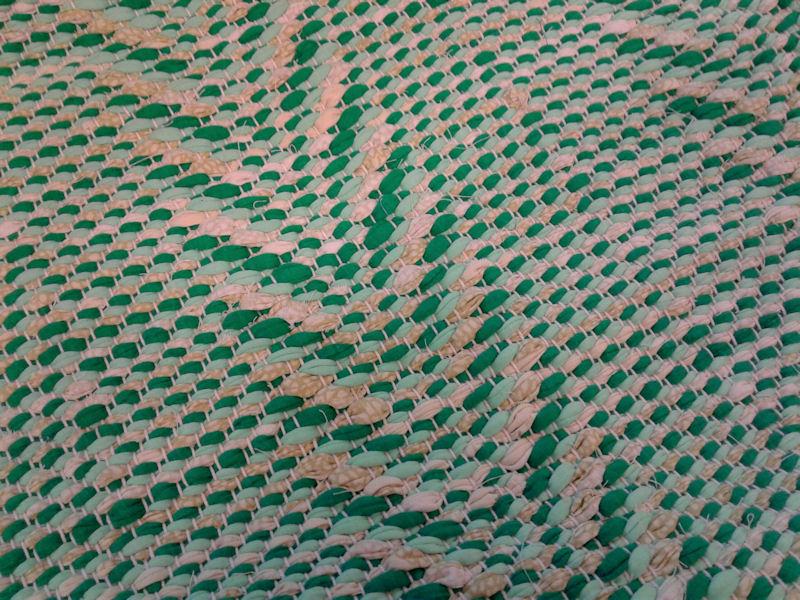<ul><li>Kudottu matto 5</li><li>94,00 € </li><li>96x192 cm</li><li>sidos:tähkä</li><li>trikoo- ja räsykudetta</li></ul>